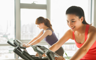 6 Tips to Get Fit for Spring Break  (That You Won't Ditch After)